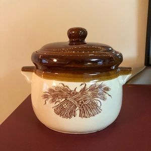 Vintage Medium Oven Safe Soup Pot